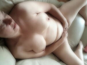 Xvideo hot mom