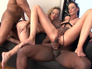 Black milf cumming